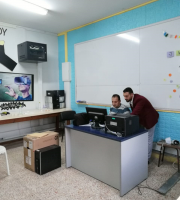 Palestine Polytechnic University (PPU) - مركز الحاسوب ينهي تركيب جهاز خادم جديد في مدرسة رابطة الجامعيين